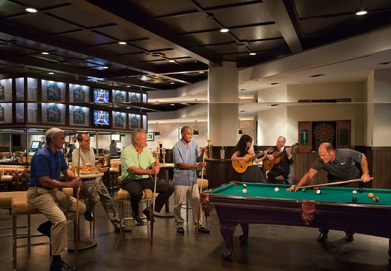 Ponte Vedra Beach, FL: Alice & Pete's Pub – Pool Area
