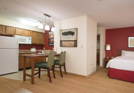 Folsom, Kalifornien: Studio King Suite Kitchen