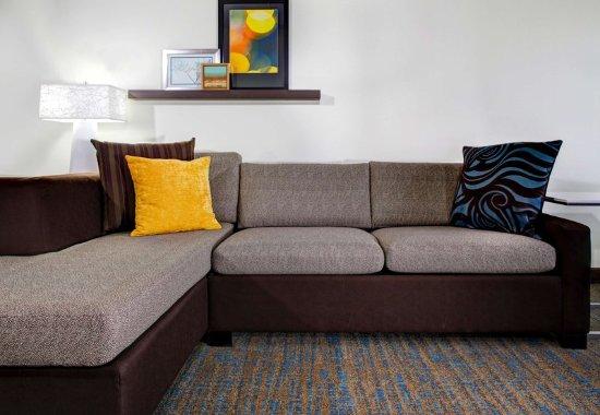 Beachwood, Огайо: Suite Living Area