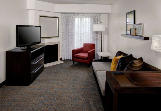 Beachwood, OH : Two-Bedroom Suite Fireplace