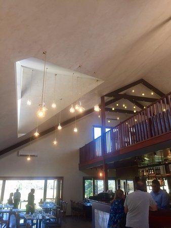 Caversham, Australia: restaurant and bar