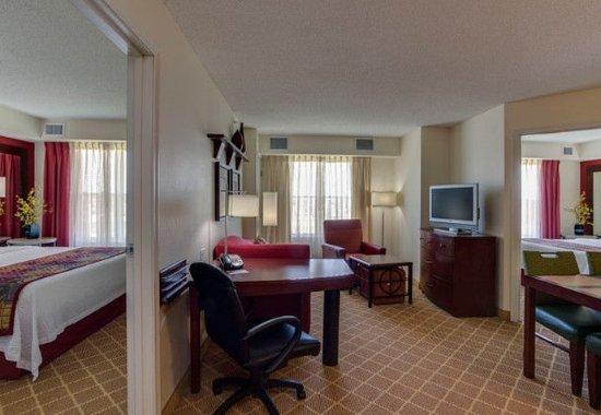 Hazleton, Pensilvania: Two-Bedroom Suite