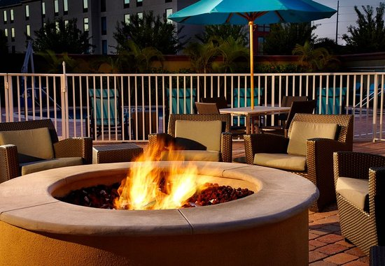 Oldsmar, FL: Outdoor Patio