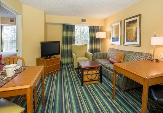 Spokane Valley, WA: One-Bedroom Suite - Living Area