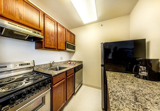 Eagan, MN: Studio Suite Kitchen