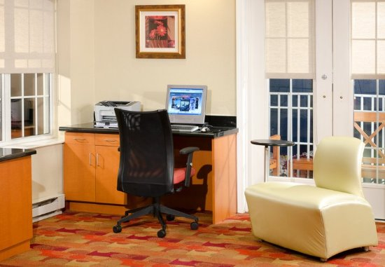 Lombard, IL: Lobby and Business Center
