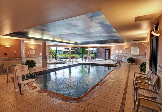 Indoor Pool - Picture of SpringHill Suites Dallas DFW Airport East ...