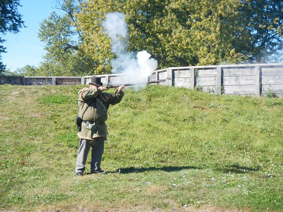 Fort Erie, Canada: Demonstration of loading/shooting the standard rifle of the time