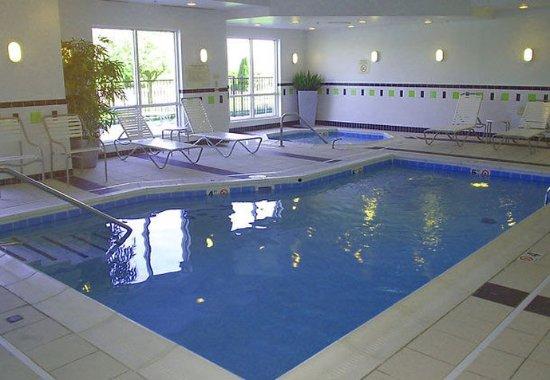 Seymour, IN: Indoor Pool & Spa