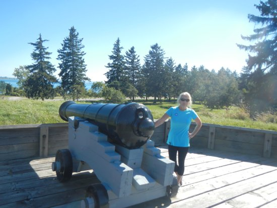 Fort Erie, Kanada: Outside the front of the Fort