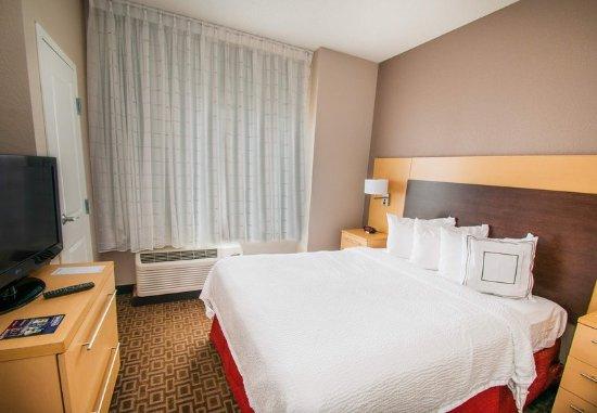 Moosic, Pensilvanya: Two-Bedroom Suite - Bedroom One