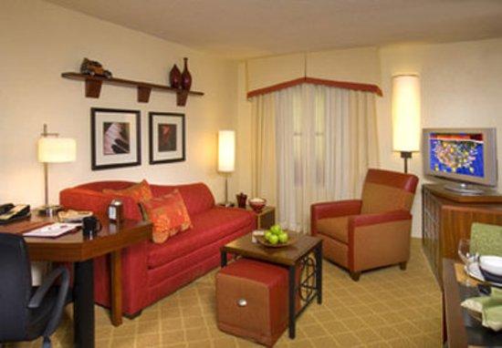 Chester, VA: Guest Room