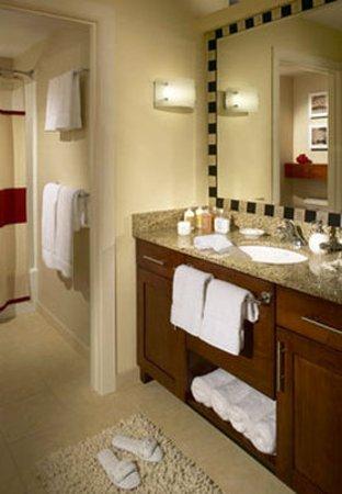 Chester, VA: Bathroom
