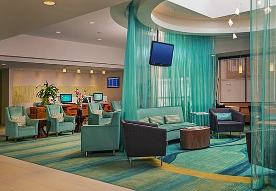 Corona, NY: Lobby Business Center
