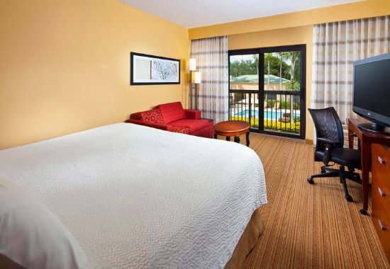 Miami Lakes, FL: Larger King Guest Room