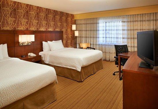 Utica, MI: Double/Double Guest Room