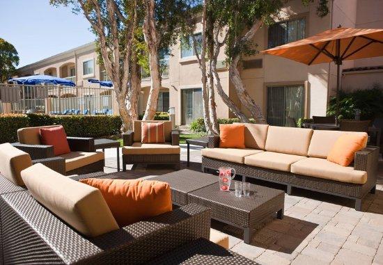 Camarillo, CA: Outdoor Seating