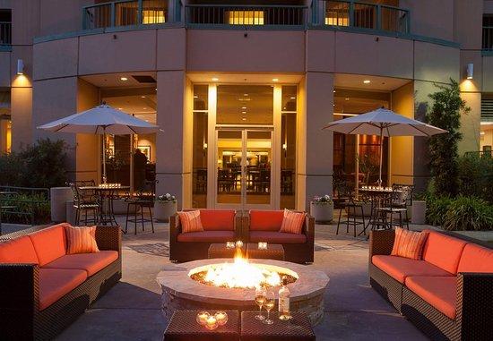 San Ramon, Kalifornien: Bishop Grill Outdoor Patio