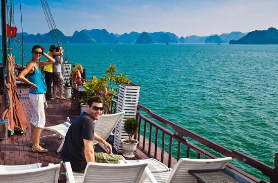 Private Tour: Halong Bay day trip...