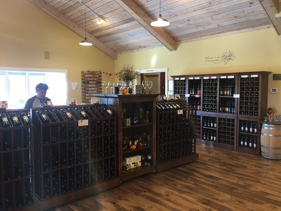 Chippewa Falls, WI: Wine for sale