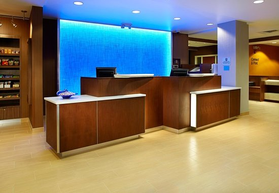 Parsippany, NJ: Front Desk