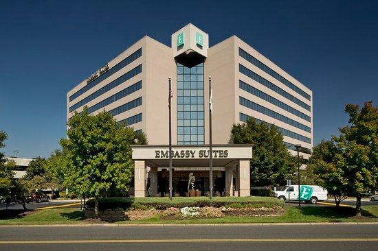 Embassy Suites by Hilton Secaucus - Meadowlands: Exterior Morning