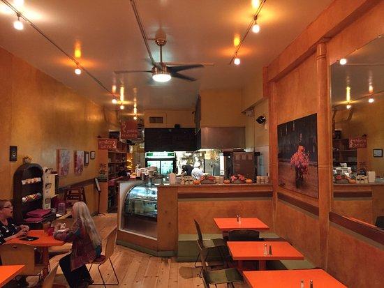 Chez Shea: Dining room