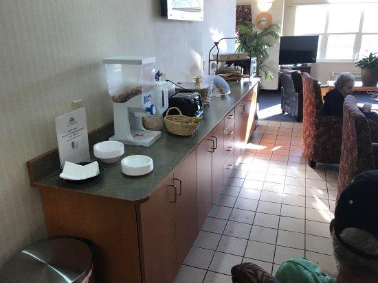 AMERICAS BEST VALUE INN U0026 SUITES   RACINE   UPDATED 2018 Prices U0026 Hotel  Reviews (WI)   TripAdvisor
