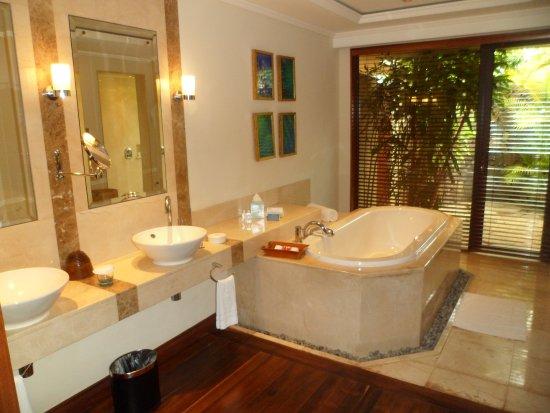 Salle De Bain Magnifique Picture Of Maradiva Villas Resort And Spa