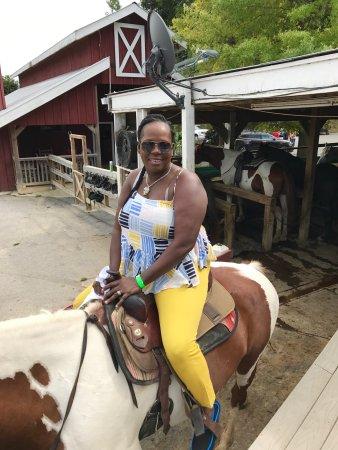 Tennessee Mountain Lodge : Horseback riding😚😚😚