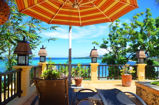 Palm Breeze Villa Boracay Hotel : Top quality accommodation in peaceful surroundings, with magnificent views over the beach and se
