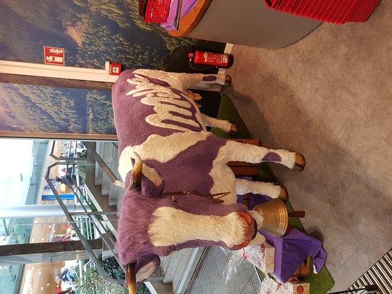 Sulzbach (Taunus), Γερμανία: Shops in Main Taunus Mall