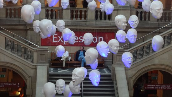 Kelvingrove Art Gallery and Museum: Startling display