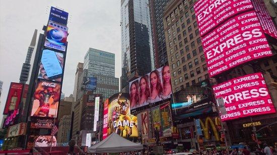 Broadway: DSC_1256_large.jpg