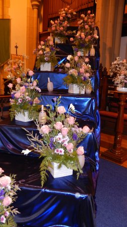 Toowoomba, Australia: St. Lukes Floral Display - great volunteers and dedication to presenting the church in full bloo