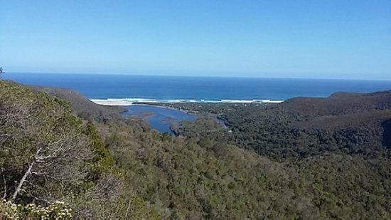 Garden Route (Tsitsikamma, Knysna, Wilderness) National Park: Nature's Valley from up on the road