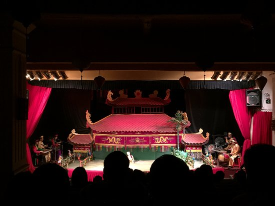 Golden Dragon Water Puppet Theater: The show