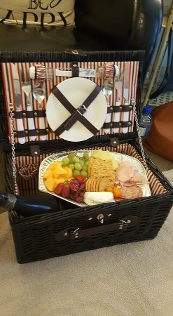 Whakatane, Nya Zeeland: Picnic Hamper (Check out our Day Spa Packages on our website)