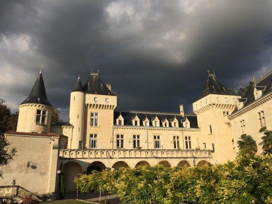 Chateau de la Riviere: photo0.jpg
