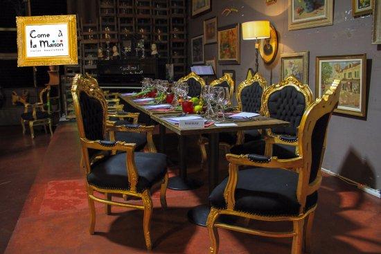 Salle des lustres come la maison picture of come a - Come a la maison ...