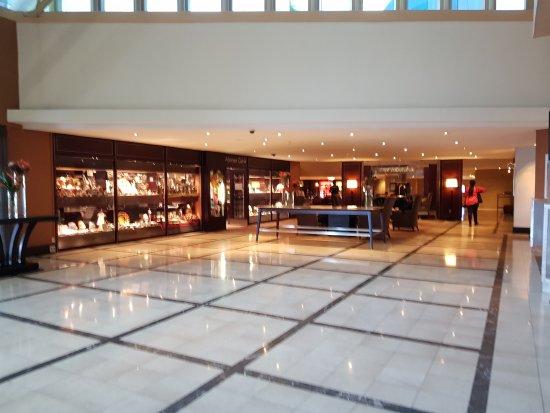 Southern Sun O.R Tambo International Hotel: 20171012_090524_large.jpg