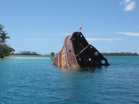 Pangaimotu Island Resort: One of two diving and diving platform attractions.