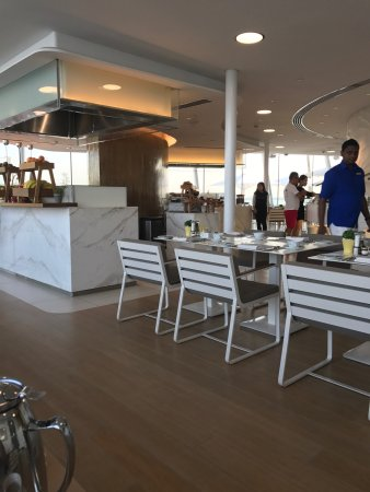 Burj Al Arab Jumeirah: Love this place especially when empty