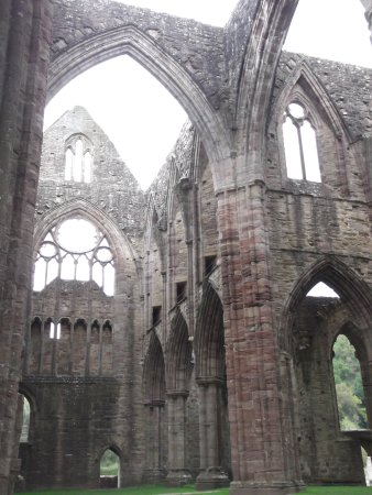 Lydbrook, UK: Tintern Abbey
