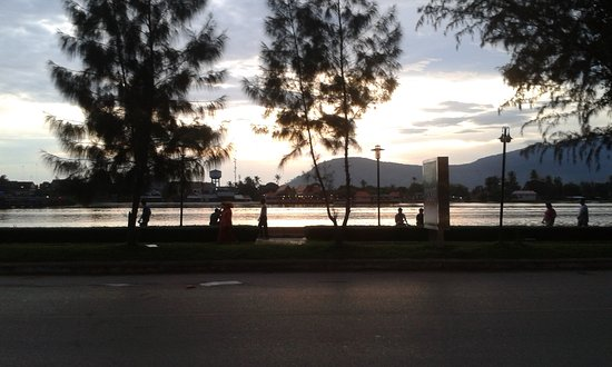 Kampot Riverside Hotel: view from the restaurant