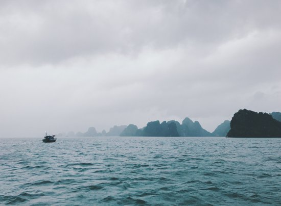 Ethnic Travel - Day Tours: Bai Tu Long Bay