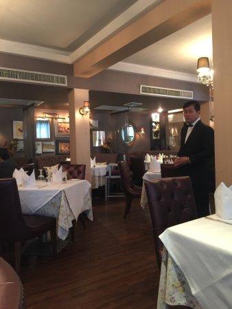 Lyon french cuisine bangkok restaurant reviews phone for 2 filles en cuisine lyon