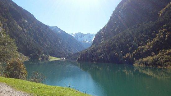 Schwendau, Österreich: Blick über den Stillupspeicher