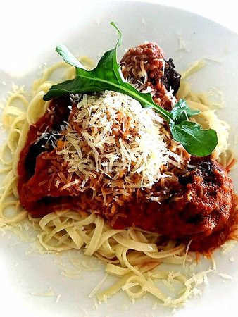 Jeffreys Bay, South Africa: Organic beef meatballs with linquini