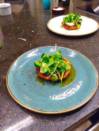 Mersham, UK: Caramelised onion and goat's cheese tart tatin